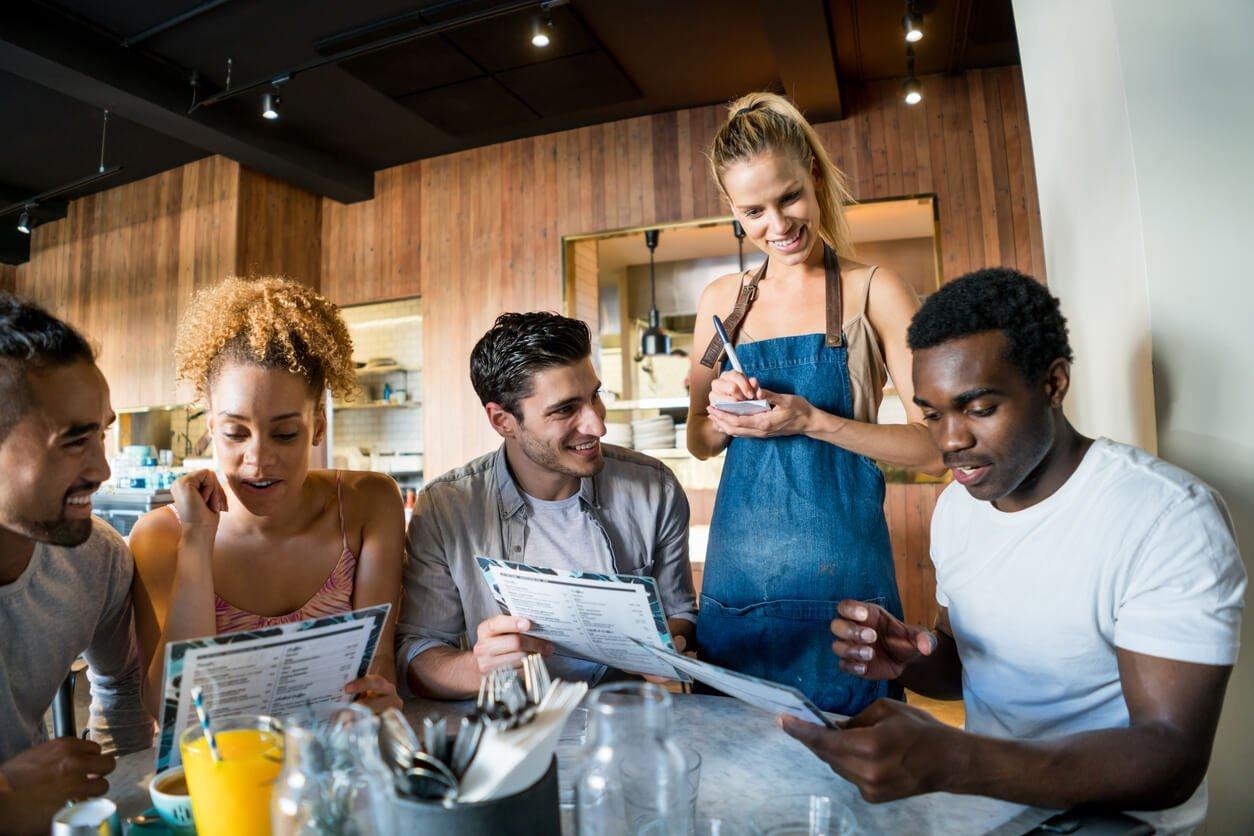 6 maneiras de pedir comida em inglês